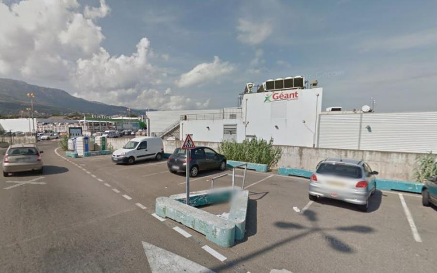 Actualite Actualite Deux ados meurent après une chute en quad du haut d'un parking