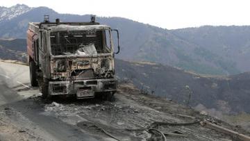 Actualite Actualite Corse: plusieurs centaines d'hectares partent en fumée, 5 pompiers blessés